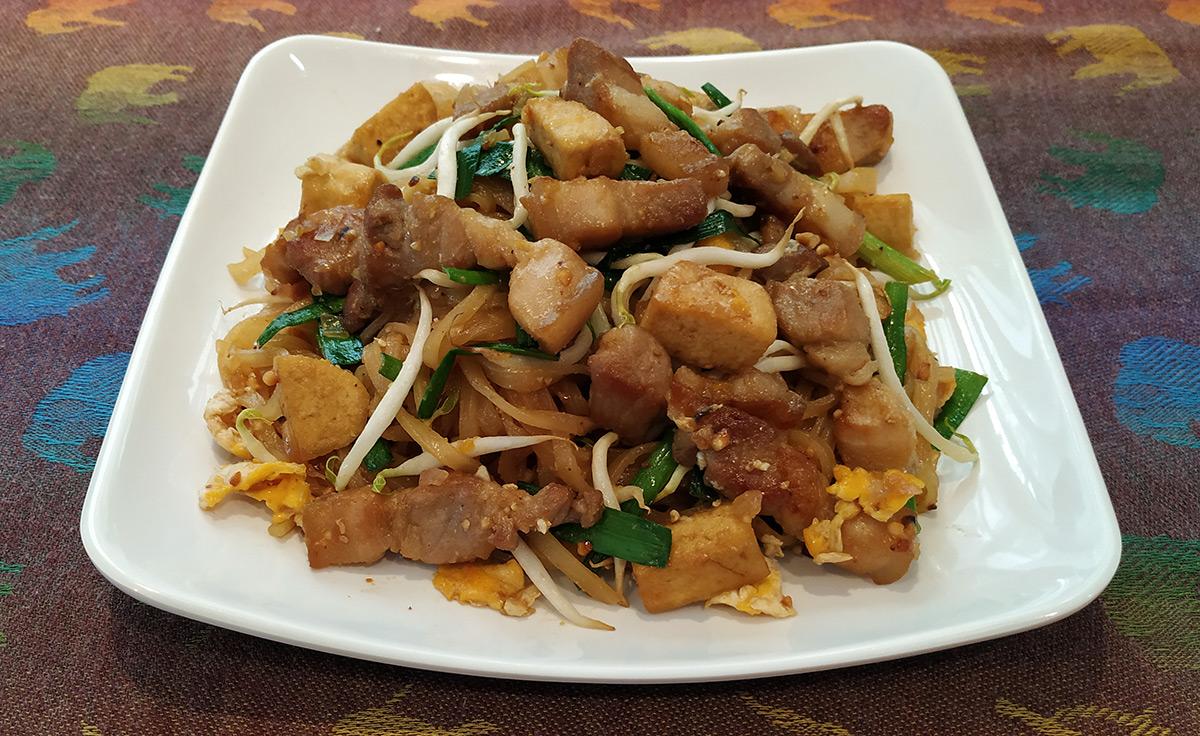 pad thai moo krob
