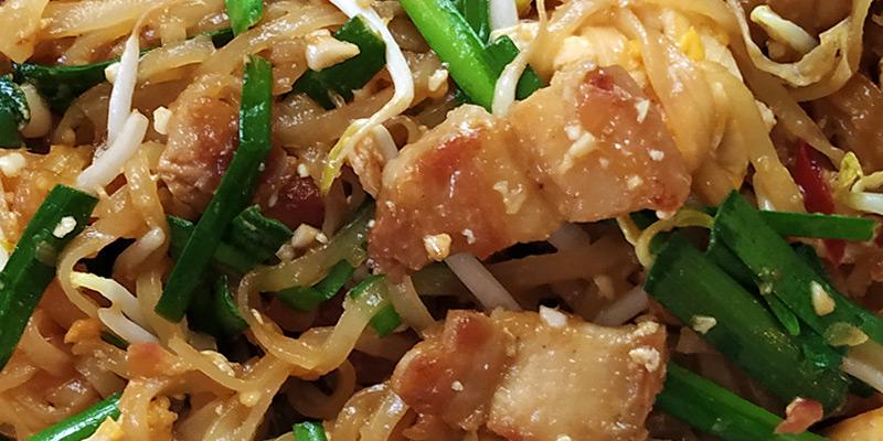 pad thai moo